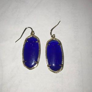 Elle Kendra Scott earrings